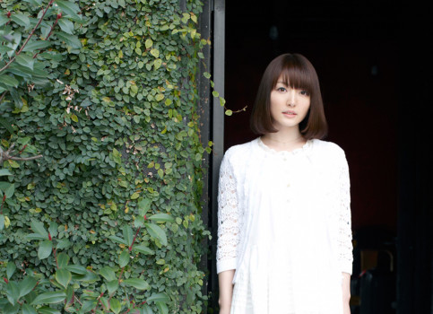 Hanazawa Kana a Taketatsu Ayana debutují jako zpěvačky