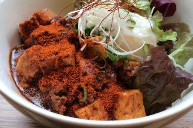 Kotomineho mapo tofu v ufotable Cafe