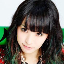 LiSA dominuje japonskému žebříčku prodejnosti alb